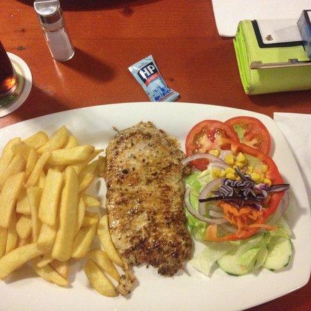 JJs Restaurant and Bar: Cajun Chicken, gorgeous!!