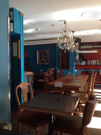 Tullins Cafe