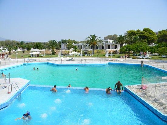 Club Ermioni: Mια από τις πισίνες με θαλασσινό νερό