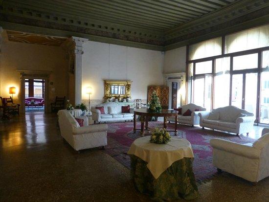 Palazzo Contarini della Porta di Ferro: Palazzo Contarini