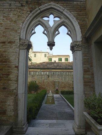 Palazzo Contarini della Porta di Ferro: Innenhof