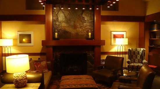 Salish Lodge & Spa: Library