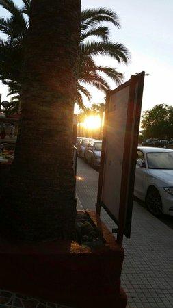 JJs Restaurant and Bar: Sunset at JJs