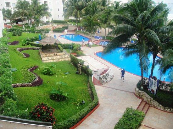 Casa Maya Cancun : Área de la piscina