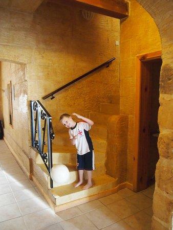 Bellavista Farmhouses Gozo: Beautiful spiral stone staircase