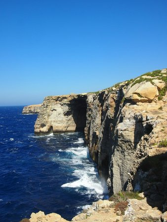 Bellavista Farmhouses Gozo : Walk along cliff top by El Milenea window