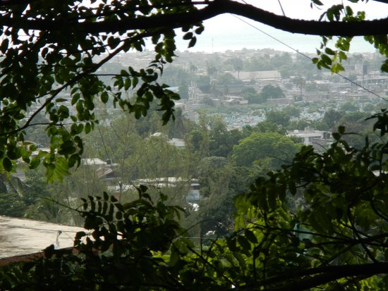 Hotel Oloffson: View of Port au Prince from outside the room