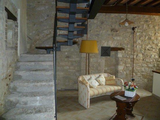 Albergo RoccaRanne : accesso  ad un'ala  dell'albergo