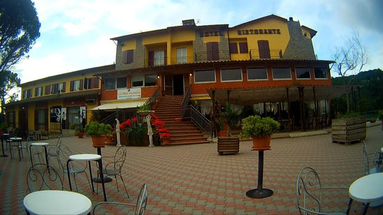 Hotel La Cima Trasimena : ENTRATA