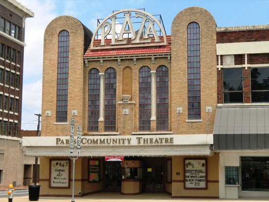 ‪Paris Community Theater‬