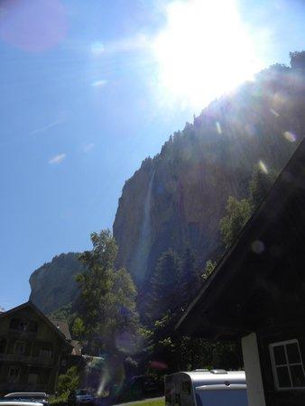 Hotel Jungfrau Lauterbrunnen: view of the falls
