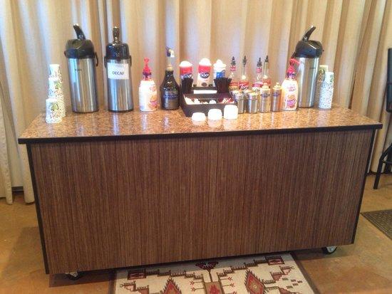 Moose Creek Inn: Breakfast Coffe - Kaffee mit diversen Geschmäcker und Sirup!