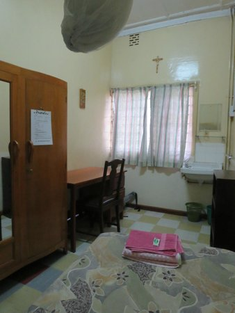 Flora Hostel : single room