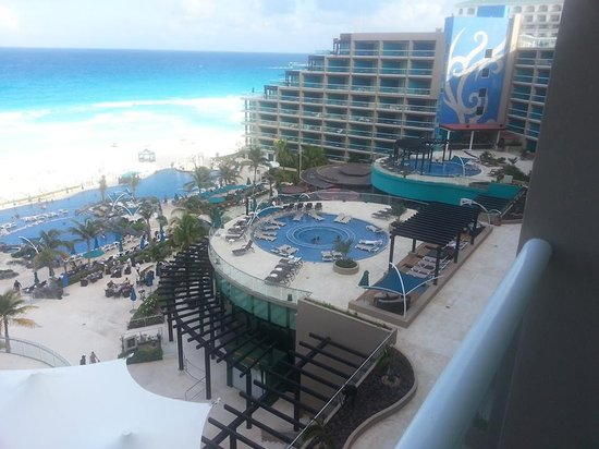Hard Rock Hotel Cancun: View of 3rd floor pool from our room