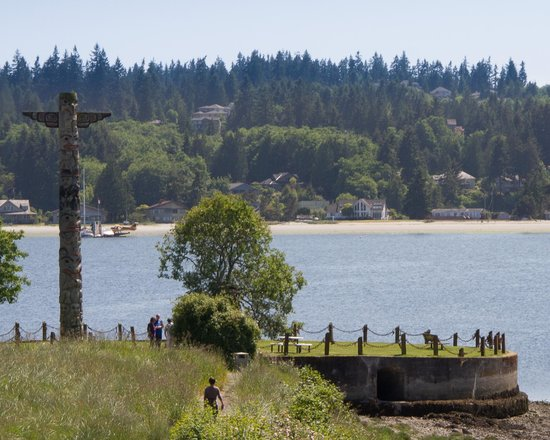 The Resort at Port Ludlow: Totem at harbour entrance