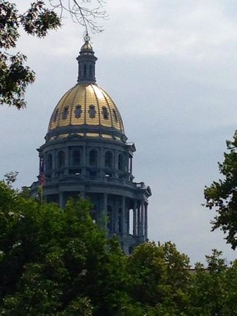 Colorado State Capitol: view from park