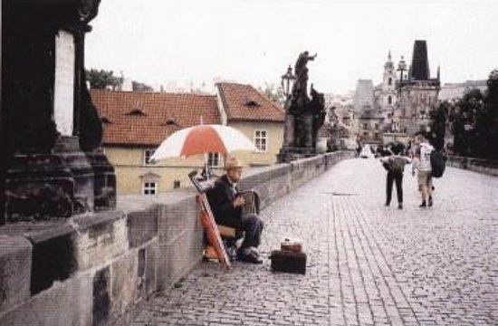 Charles Bridge: Moment musical sur le Pont Charles à Prague