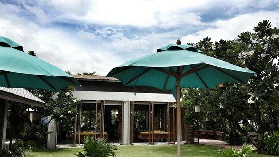 Let's Sea Hua Hin Al Fresco Resort: Restaurant