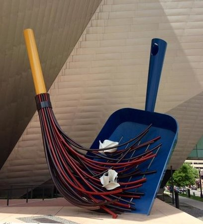 Denver Art Museum: outside art