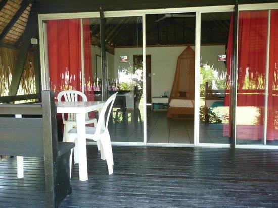 Hotel Hibiscus : Terrasse du bungalow