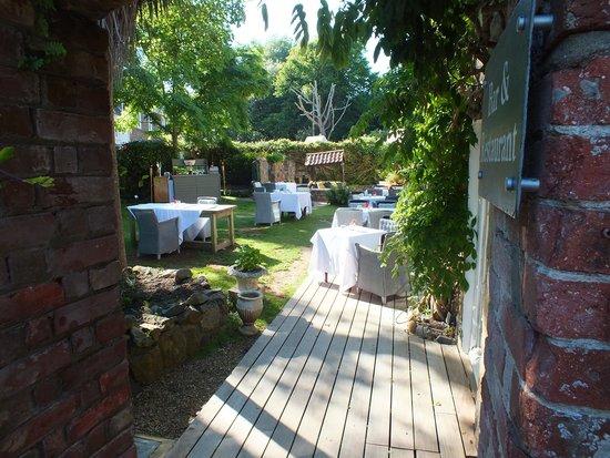 Hotel Bella Luce: Garden restaurant