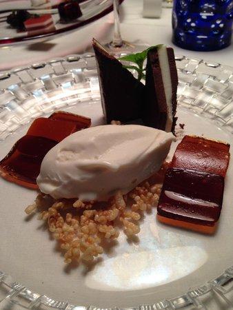 Casa Vissani : dessert con le gelatine di birra e peperoni