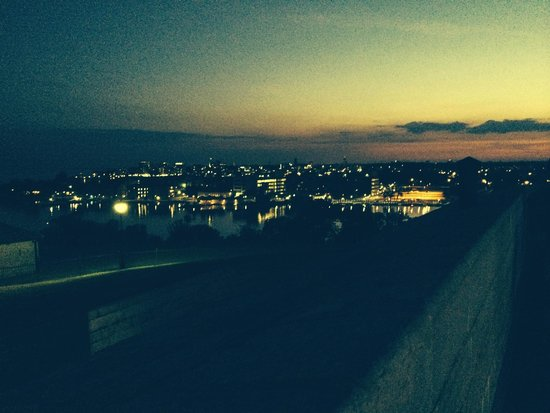 Fort Henry (Fort Henry National Historic Site) : a look over kingston from the ramparts