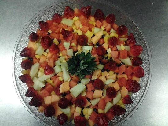 Big Dave's Bagels & Deli: fruit salad