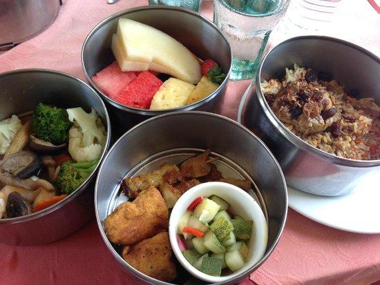 North Borneo Railway: A filling lunch