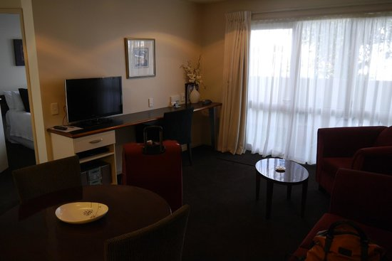 Cedar Grove Motor Lodge: Living room