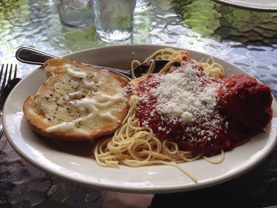 Muriale's Italian Kitchen: Lunch spaghetti meal