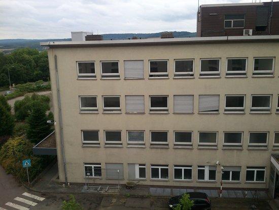 Leonardo Hotel Völklingen-Saarbrücken: la qualité de la chambre rattrape la vue