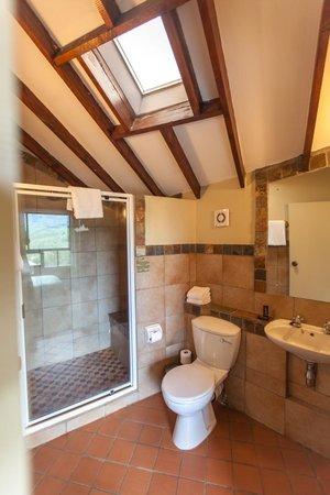 Alpine Heath Resort: Bathroom