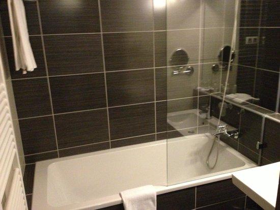 Hotel Regnum Residence: łazienka