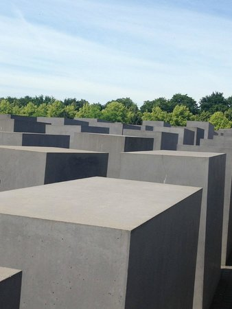 Holocaust-Mahnmal (Denkmal für die ermordeten Juden Europas): So many lost represented in this large Memorial