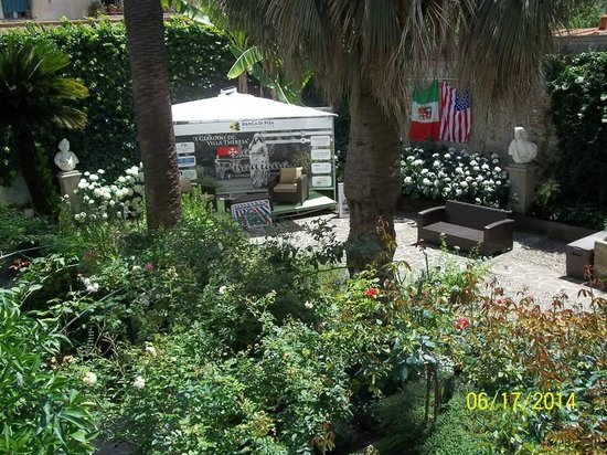 "Villa Theresa Bed & Breakfast: Villa Theresa in ""La Pisaniana gardens"""