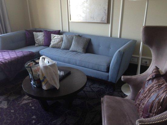 W Washington D.C.: Living room area