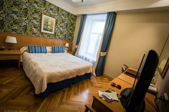 Helvetia Deluxe Hotel : номер небольшой, но очень уютный