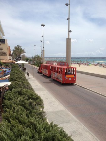THB El Cid: mini train in front of hotel El Cid