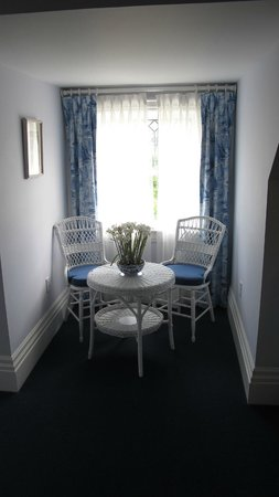 Claramount Inn & Spa: Lovely sitting area in Suite 7