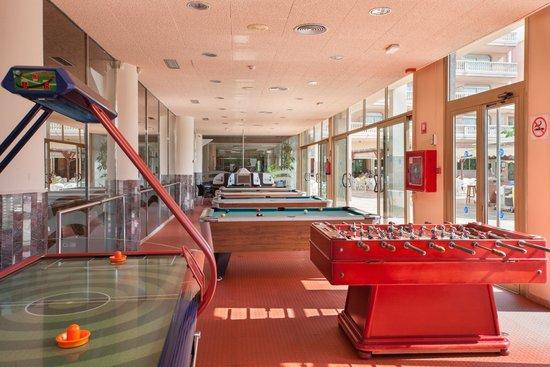 Hotel-Aparthotel Dorada Palace: Salón de juegos - Games room