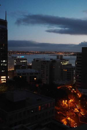 The Quadrant Hotel and Suites Auckland : Nice view from my balcony at 6am sunrise