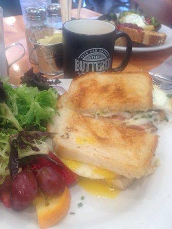 The Buttered Tin: Damn Good Egg Sandwich.