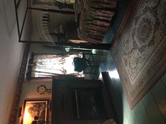 The Bella Ella Bed & Breakfast : Ella's room