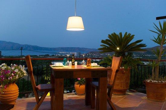 Mama's Dinner, Fine Dining Restaurant in Crete