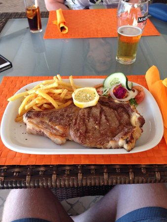 O Pirata : 20€  16oz special menu ribeye steak - delicious