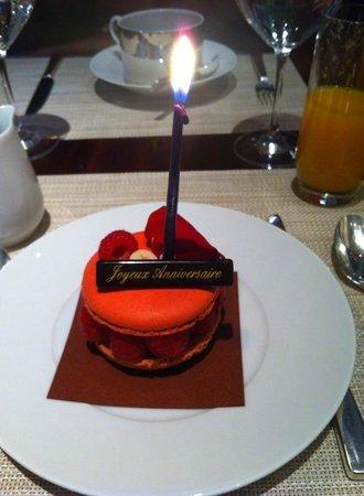 Le Royal Monceau-Raffles Paris : Macaron d'anniversaire - Brunch 5 juillet