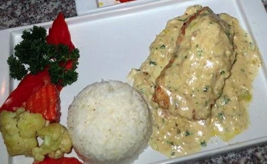 Paradise Grill: Chicken Cordon Bleu in White Sauce
