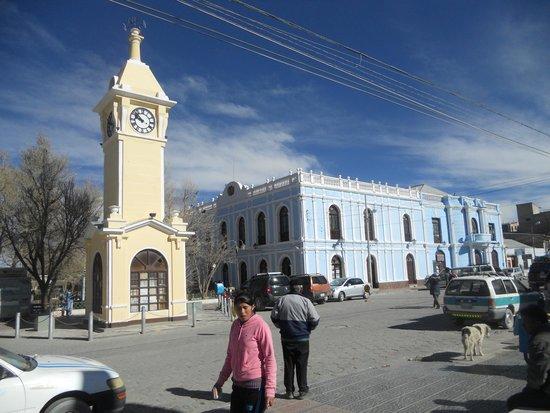 Piedra Blanca Backpackers Hostel: Streets of Uyuni