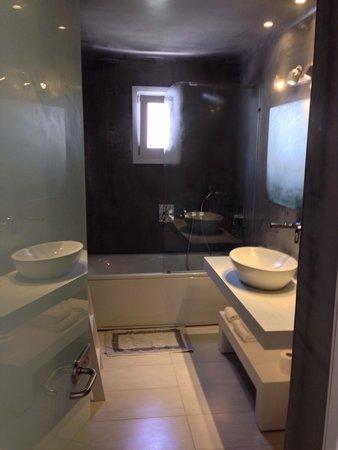 Cavo Bianco : Bathroom